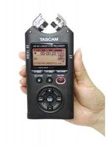 מכשיר הקלטה כף יד TASCAM DR-40 Version 2 *במלאי מיידי*